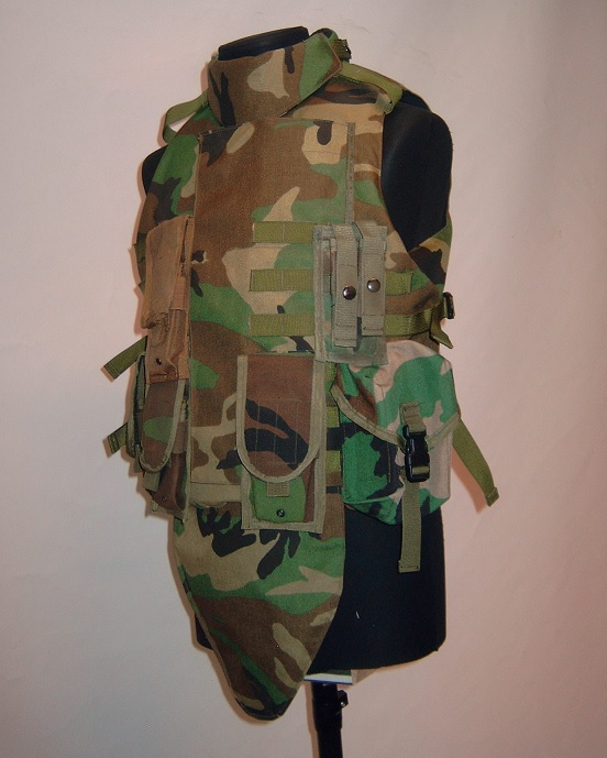 US IBA with pouches, Woodland, repro, surplus