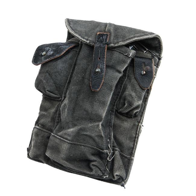 Soviet AKM magazine pouch, dark blue surplus
