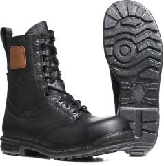 Swedish M90 combat boots, with safety toe