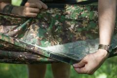 DD Frontline Hammock, DD Multicam. You can insert a sleeping mat between the two layers of the Frontline hammock.