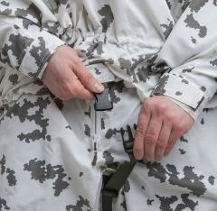 Särmä TST L7 Camouflage Anorak. The crotch strap ensures the hem stays put in rough use.