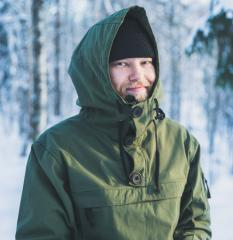 Särmä Windproof Anorak. The collar can be buttoned up nice and secure.