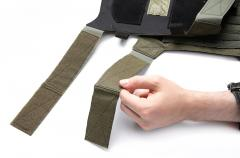 Särmä TST PC18 plate bags. The shoulder straps can be shortened by cutting between the two pieces of hook and loop.