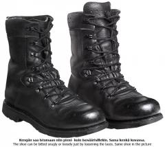 BW KS2000 combat boots, surplus
