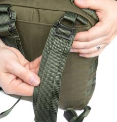 Särmä TST CP15 Combat pack. Secure by passing the end once more through the slide buckle.