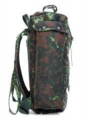 Belgian Paratrooper Pack, Flecktarn, Surplus. Tall side pouch on the other side.