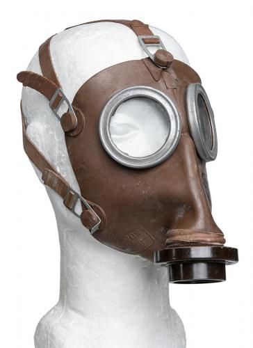 Belgian L.702 Gas Mask with Carrying Canister, Surplus