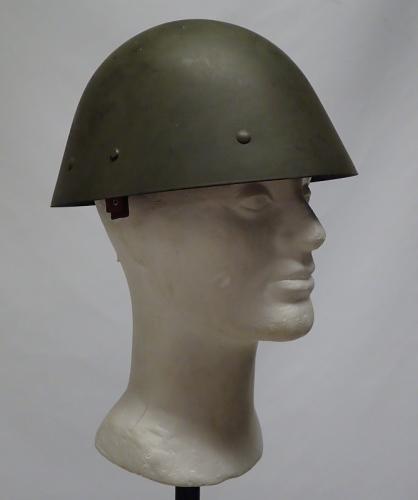 Czech M32 steel helmet