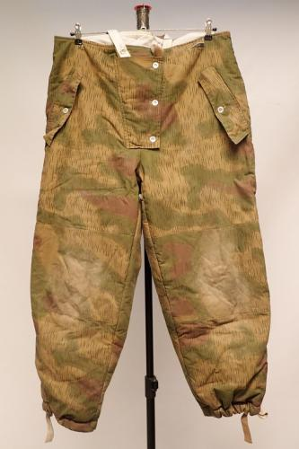 Wehrmacht reversible winter trousers, Sumpftarn/white, repro, surplus, Medium