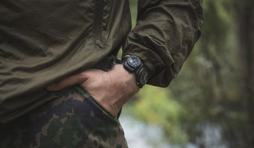 Suunto Clipper L/B NH. Attached to your watch the Clipper goes with you anywhere.
