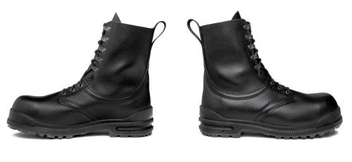 Swedish M90 winter combat boots.