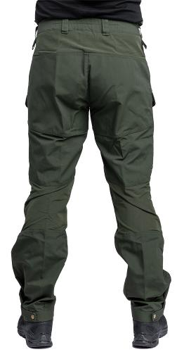Särmä Outdoor Pants. This 186 cm tall size Large hunk is wearing size Large Long trousers.