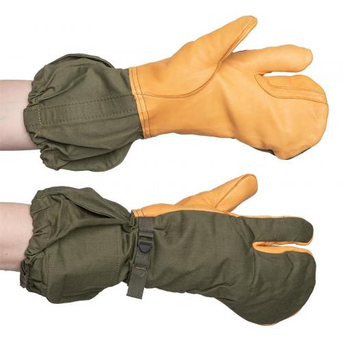 US M-1965 shell mittens with trigger finger, surplus