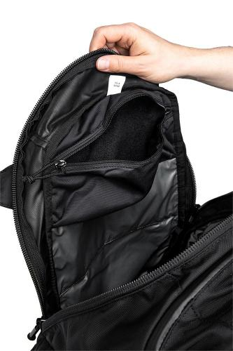 CamelBak Urban Assault Pack, black, with water bottle, surplus. The other side of the main compartment.