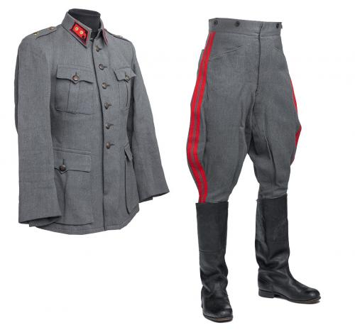 Finnish artillery officer M36 uniform with breeches