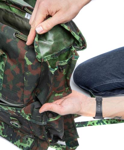 Belgian Paratrooper Pack, Flecktarn, Surplus. We're sure they had exact plans what to carry in this pouch.