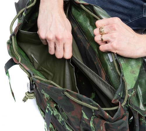 Belgian Paratrooper Pack, Flecktarn, Surplus. A couple of small pockets at the top.