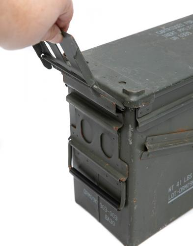 US Ammunition Box, 40 mm, Surplus. Rubber seal on the lid.