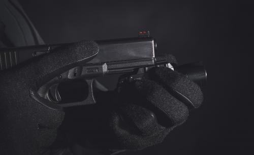 SureFire X300U-A 1000 lm Weaponlight. Attach without flagging your fingers.